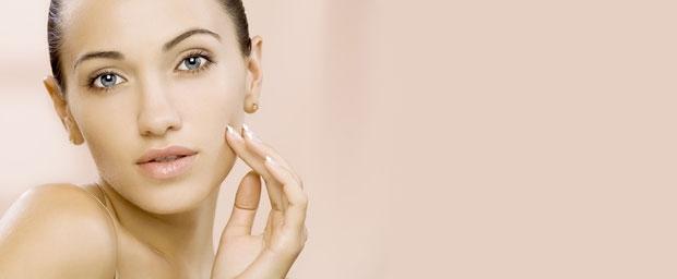 Mit Grimassen zu faltenfreier Gesichtshaut