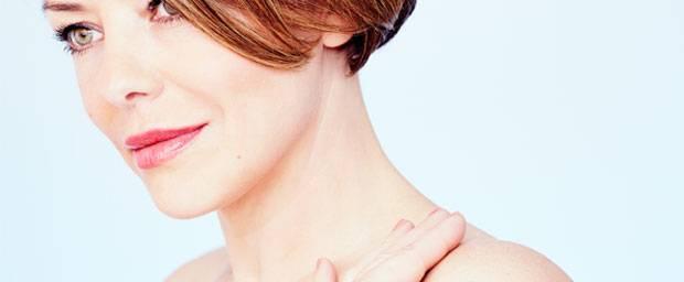 Halsstraffung - das kann man gegen unschöne Halsfalten tun